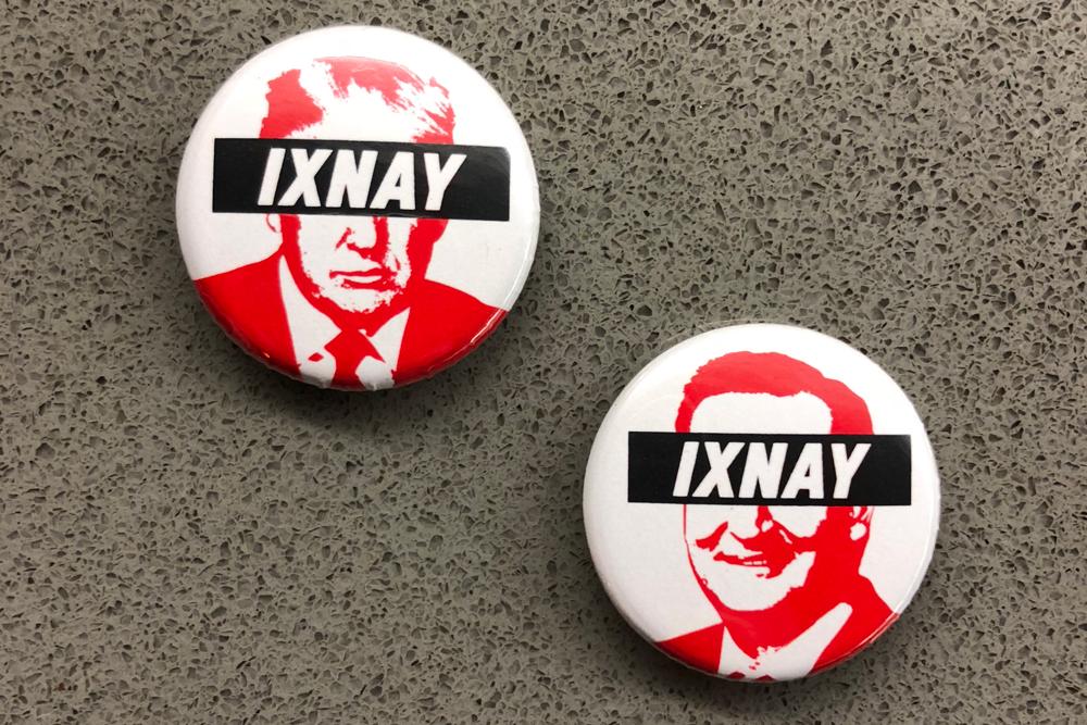 Ixnay_Buttons_Trump_Cruz.jpg