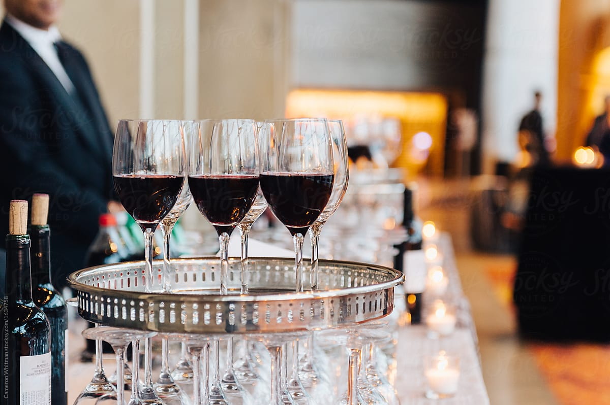 4 WAYS TO ENJOY A SPECIAL EVENT WITHOUT OVERINDULGING.jpg