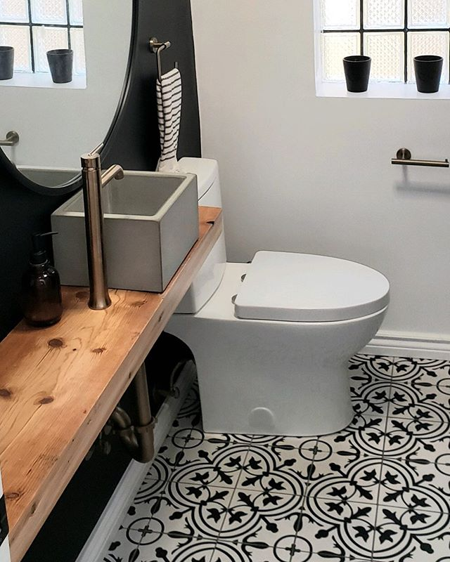 Monday morning bathroom goals! What do you think? - - - - - - - - - - - - - - -⠀⠀⠀⠀⠀⠀⠀⠀⠀ #housetour #thenewbohemians #homerenovation #my100yearoldhome #remodel #restoration #Chicagoplumbers #chicagobusinesses #plumbing #newconstruction #modernhome #homedesign #interiordesign #interior123 #happyhome #homelife #luxuryliving #luxury #architecture #modernhouse #chicago #chicagobusiness #windycityrehab #realestate #realtorsofchicago #chicagorealestate #fixerupper #hgtv #tilestyle #pinterest