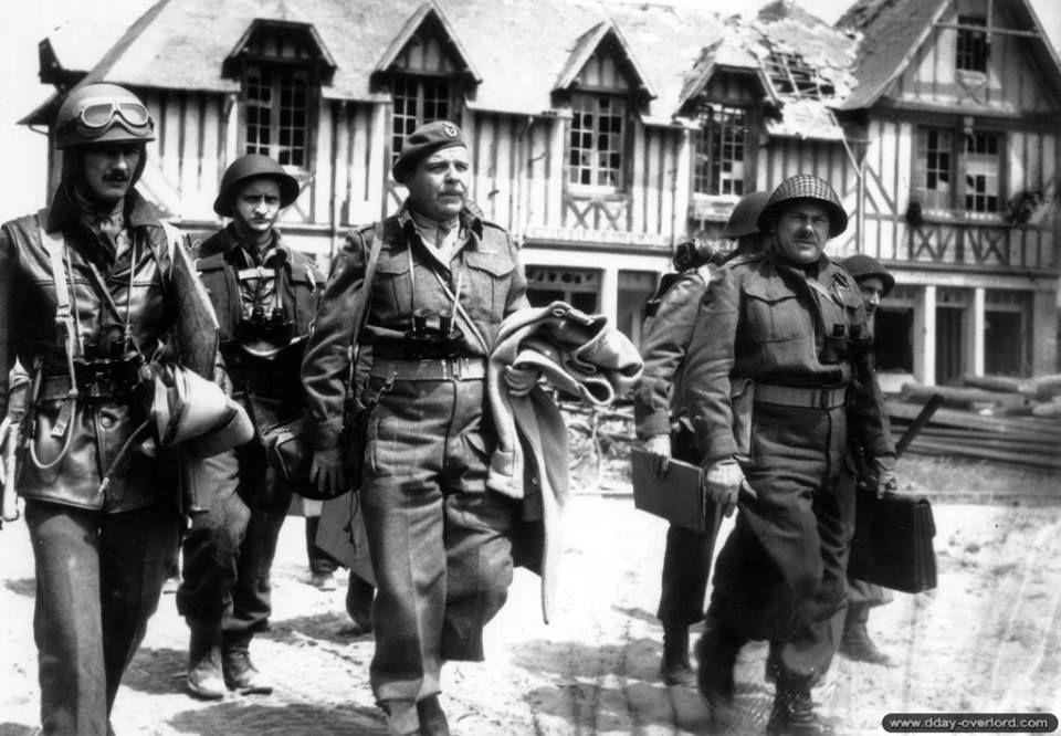 General RFL Keller on D Day.jpg