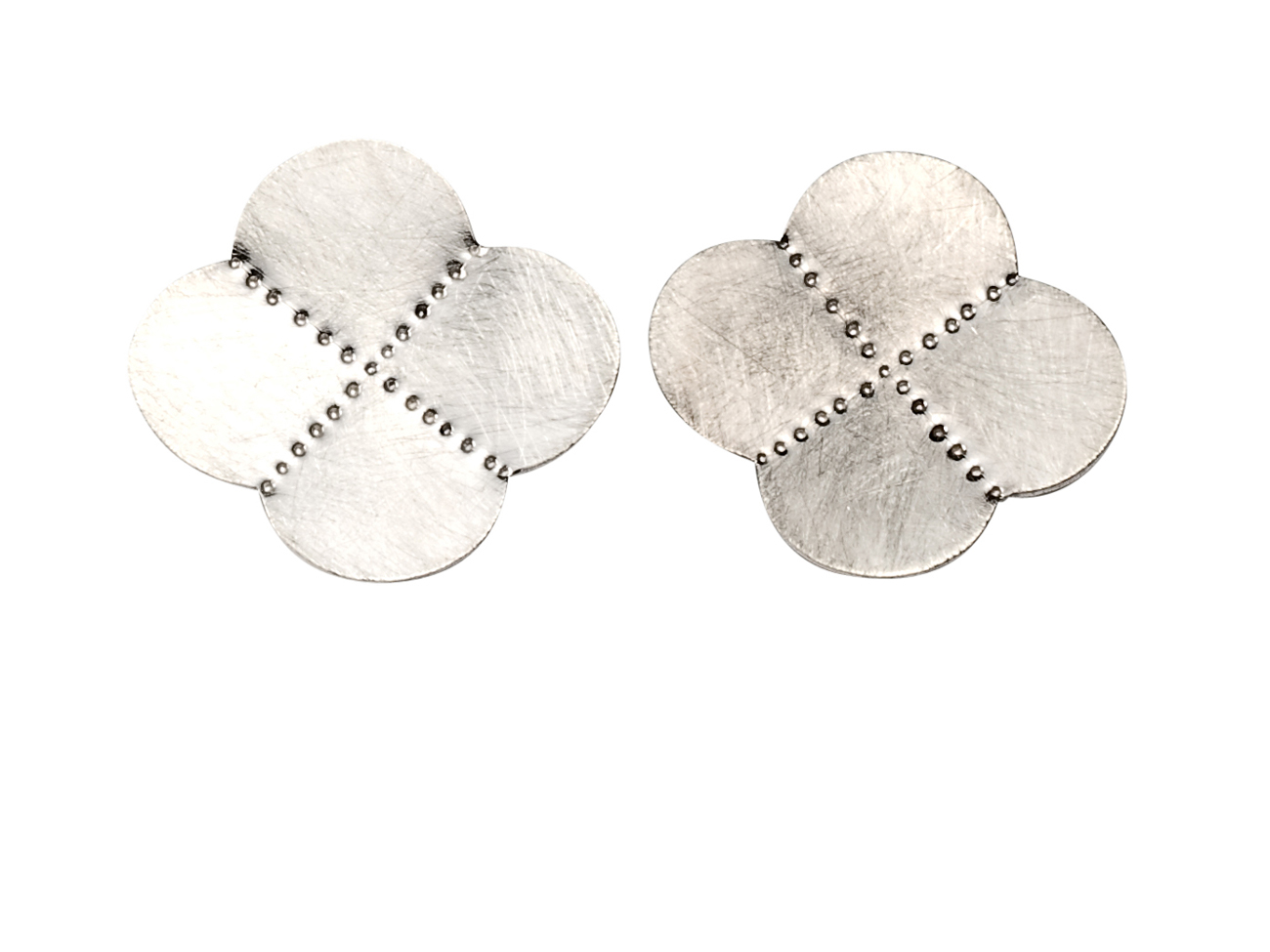4-Quarter Scalloped & Faceted