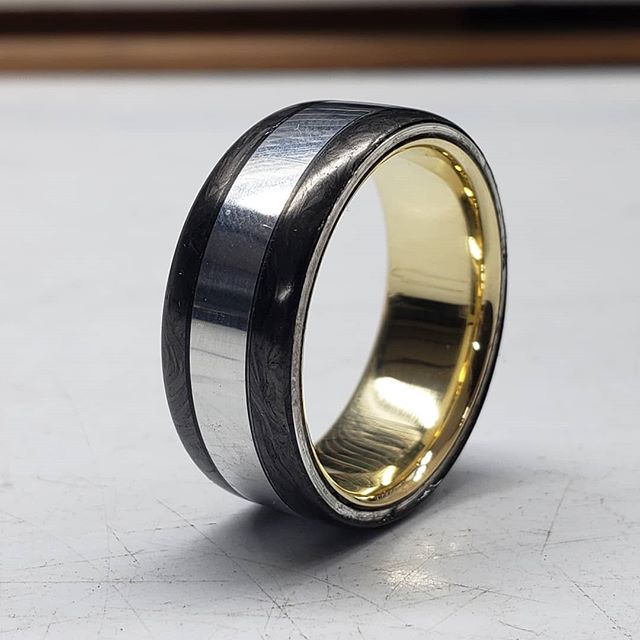 Who would've thought that the noble could get any better. That golden liner right there is the cherry on top. What if I told you it's actually brass? A fraction of the price of gold with a very similar beautiful luster. Given its comfort finish that is hand sanded on, this ring is a match made in heaven for anyone looking for maximum class without the need to shell out the equivalent of a new car. . . . . #oxu #byoxu #ring #rings #jewelry #handmade #handcrafted #handmadejewelry #handcraftedjewelry #brooklyn #madeinbrooklyn #madeinamerica #onemanbusiness #brass #brassjewelry #gold #goldjewelry #golden #midastouch