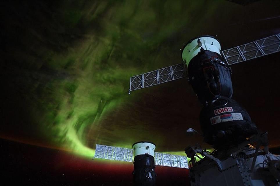 Credit NASA:  Astronaut Christina Koch snapped this beautiful space picture (Image: NASA/CHRISTINA KOCH)