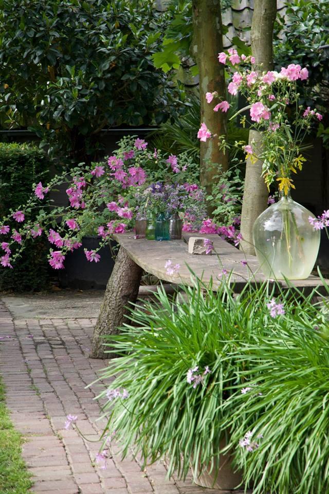 bloemen 2-de wijnschuur.jpg