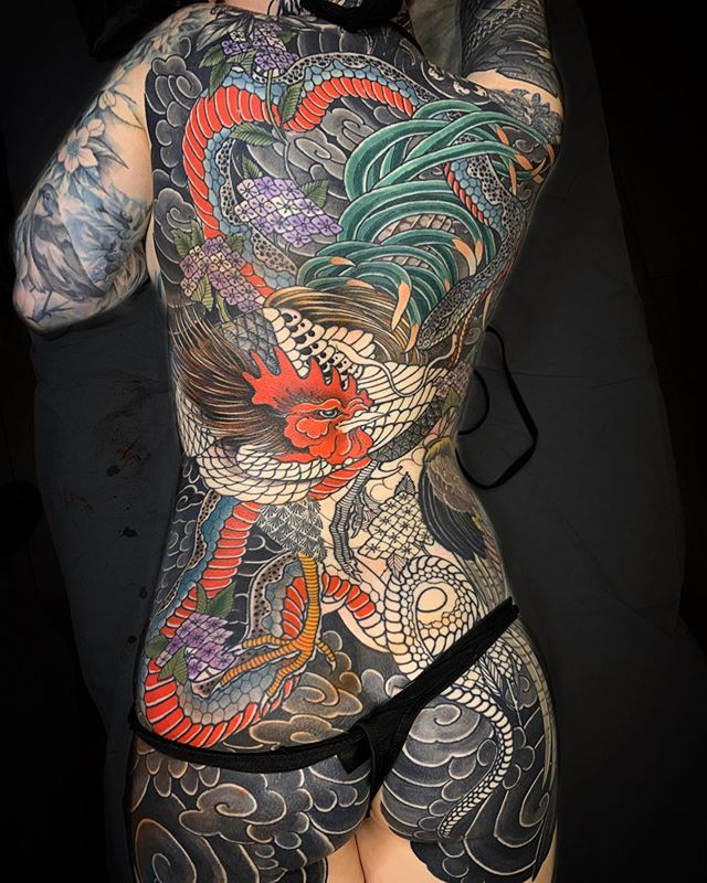 One more session on  @lozzy_locks and this will be done ❤️she said it was 7 sessions... not bad!! Can't wait :) thank you girl! #claudiadesabe #redpointtattoolondon #blackclaw #blackclawneedle #japanesetattoo #backpiece #irezumi #girlswithtattoos