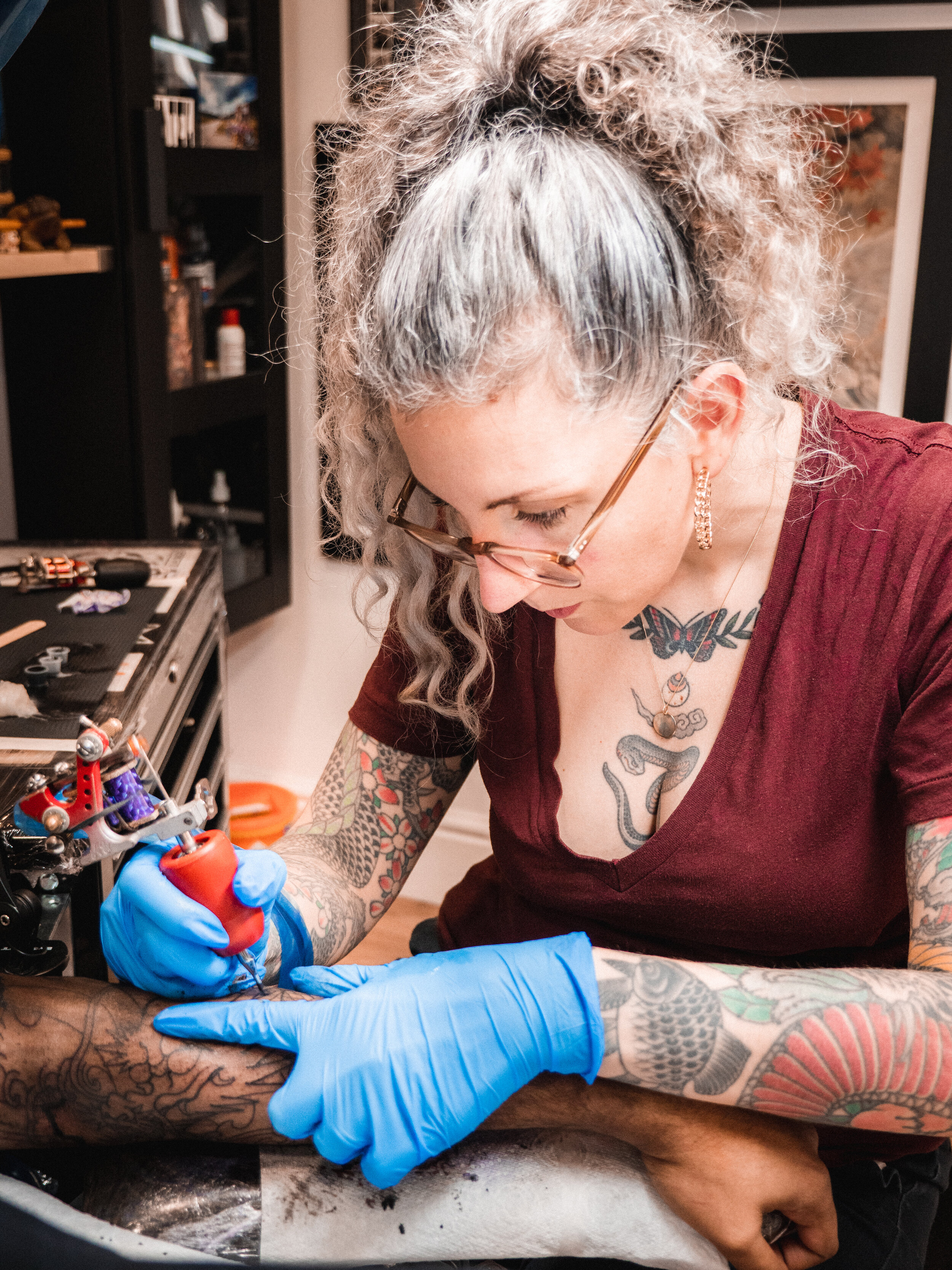 - Claudia De Sabe has been tattooing since 2004, and describes her style as 'Western Traditional meets Japanese'Follow Claudia on Instagram