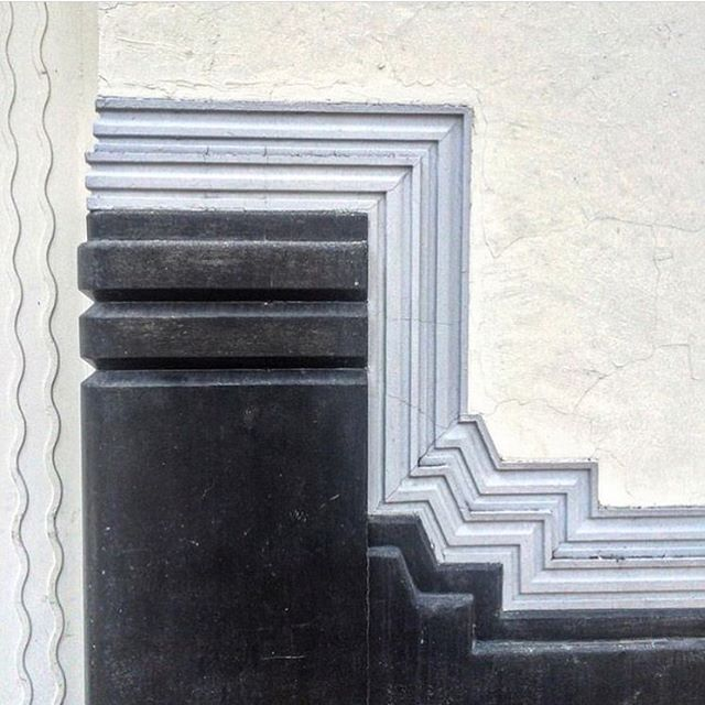 Gorgeous architectural details via @kellywearstler have us feeling inspired.