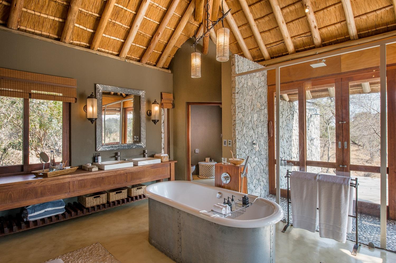 Dulini Leadwood bathroom 1.jpg