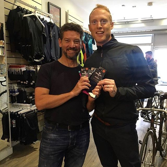 Always love meeting and talking to Richard and the team at @richmondcyclesuk 👍! Great to be and feel part of the local community, check out new 🐵 🧦 instore! Swipe to see new colours, they're in Merino Wool! #community #charity #merinowool #sockittoms