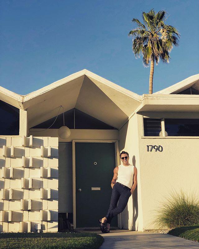 Bi...coastal.🌴🌃 #palmsprings #barryberkusdesign  #interiordesign  #eventplanner #architecture  #fixerupper  #modernismweek  #palmspringsarchitecture  #palmspringslife  #newyorker  #newproject  #fall2019