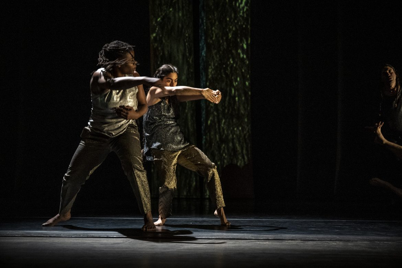 Leslie Parker and Zoë Klein mid-action. Photograph by Kelechi Uchegbu.