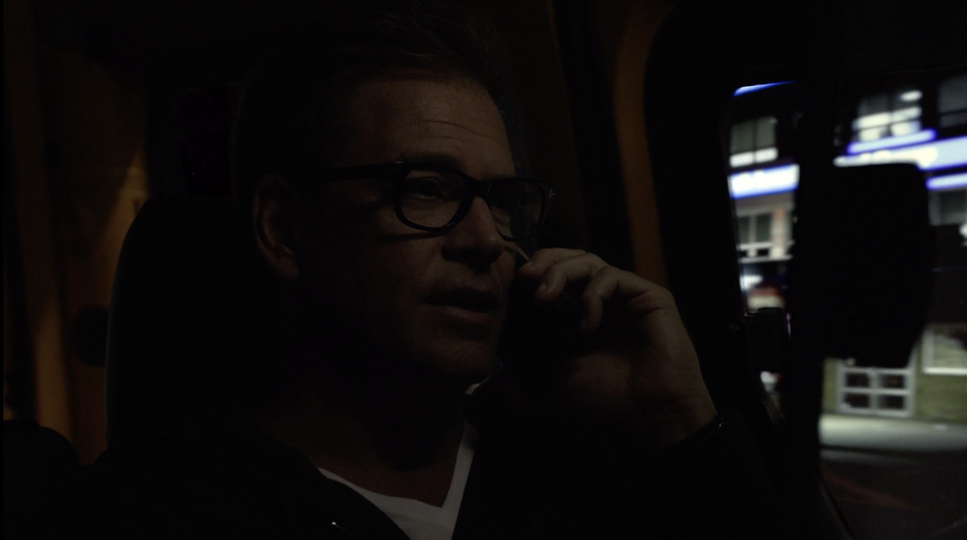 Bull Driving Footage New York City S03E01 6.png