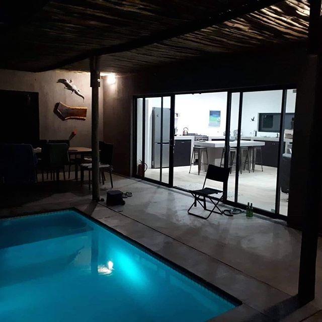 Kruger Willows by night 🌙 📸: @leschick  #marlothpark #krugerwillows  #krugernationalpark #crocodilebridge 📧: krugerwillows@gmail.com . #kruger #safari #lodge #gamedrive #gamelodge #safarilodge #africa