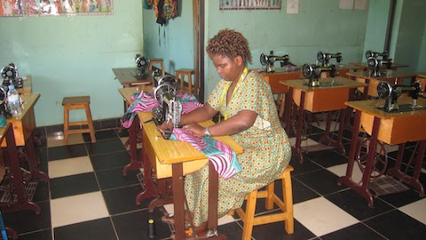 2018-10-sewing-center-theophile-4.jpg