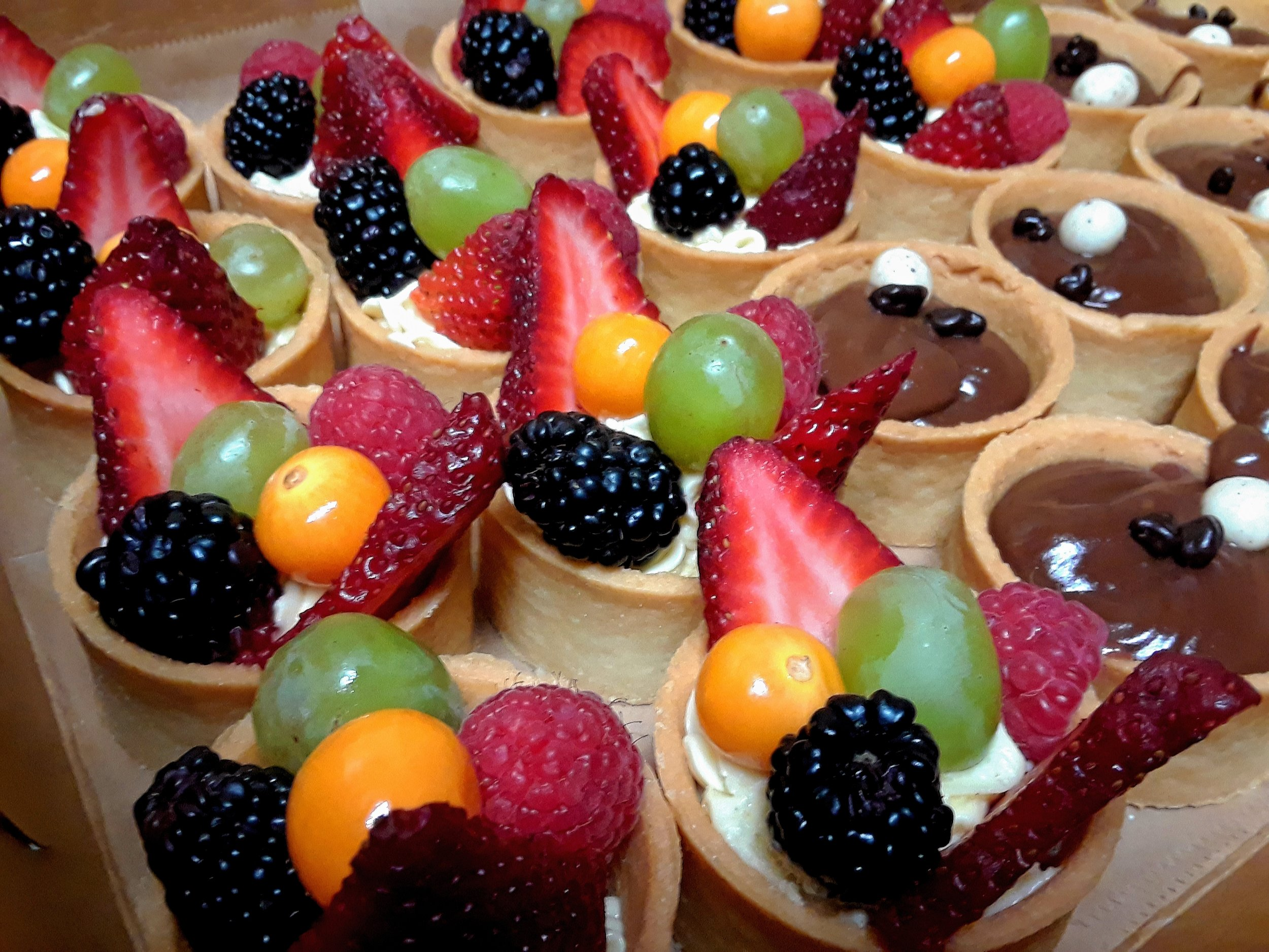 CLICK HERE   to place an order for our Fresh Fruit Tarts w/ Vanilla Bean Pastry Cream Mousseline.