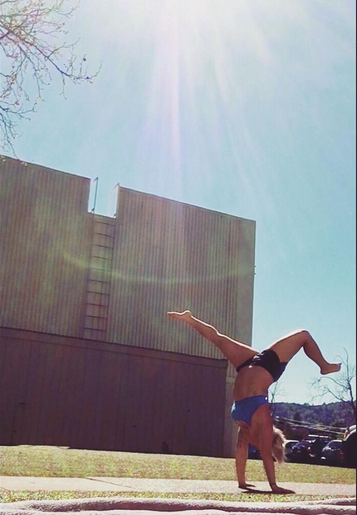 handstand123.jpg