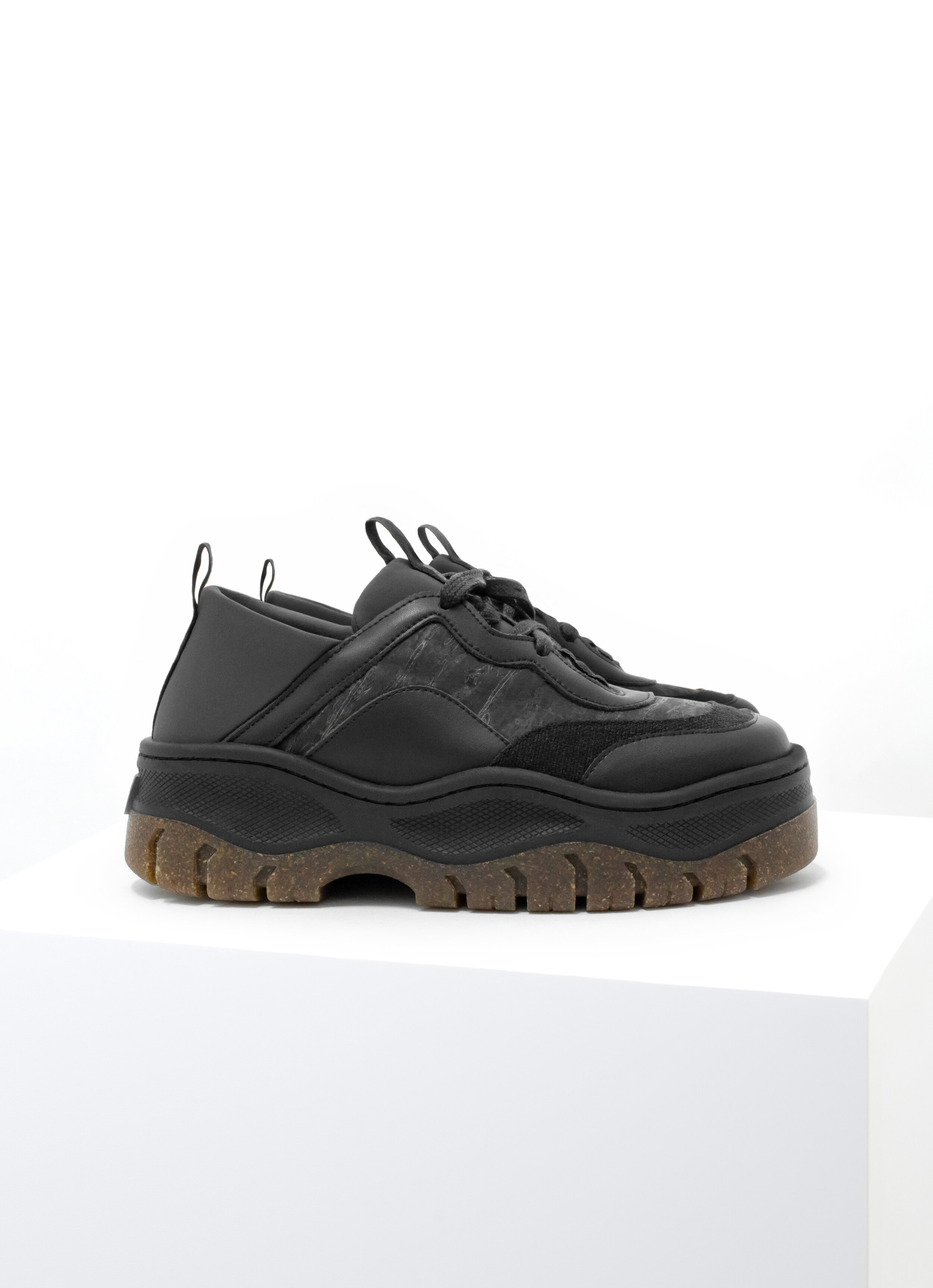 Rice Rave Sneaker Black.jpg