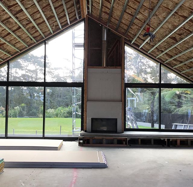 Big month! Fire in✔️ Concrete hearth in✔️ insulation in✔️ Rondo  in✔️ . . . . . . #architecture #nzarchitecture #design #designandbuild #interiors #interiordesign #masterbuilder #customised #custom #concrete #black #formwork #concreteadditives #concretelove