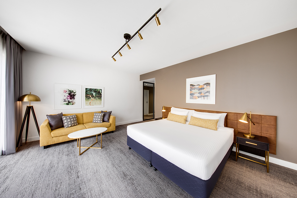 vibe-hotel-sydney-executive-room-king-01-2018.jpg