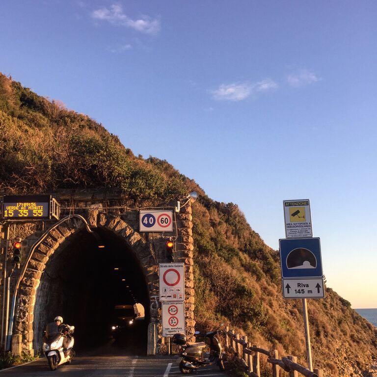 westward tunnel to Moneglia