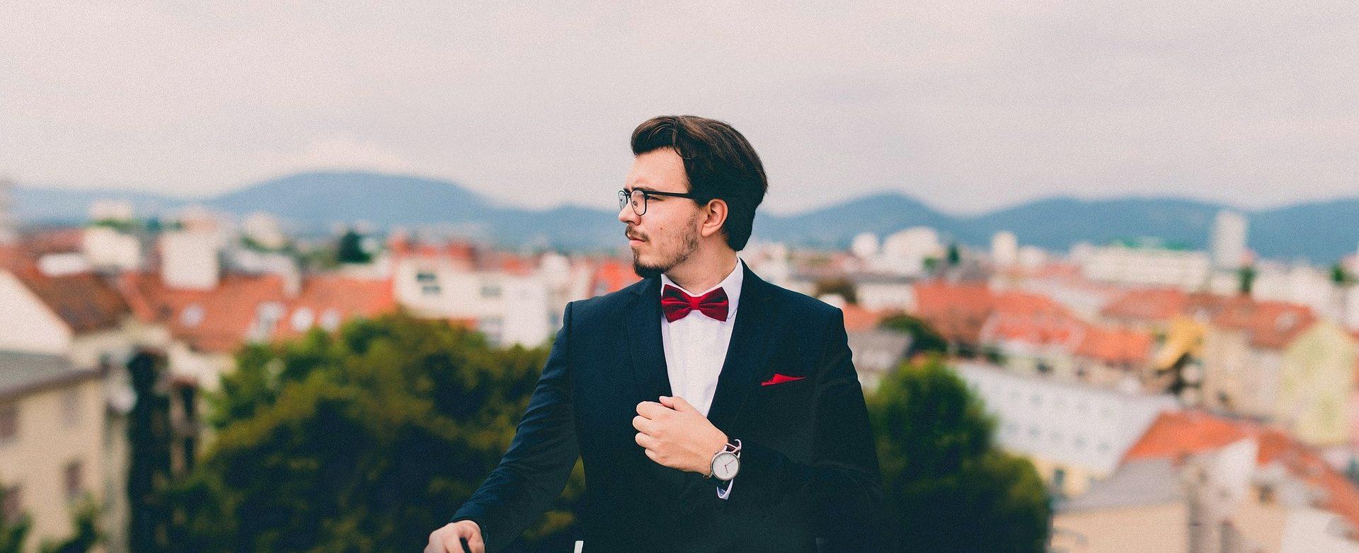 suit-691849_1920-e1465322145844.jpg
