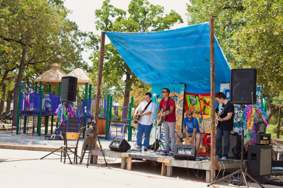 Los Bohemios Perdidos at Cherrywoodstock 2016. Photo by J. Potter-Miller.