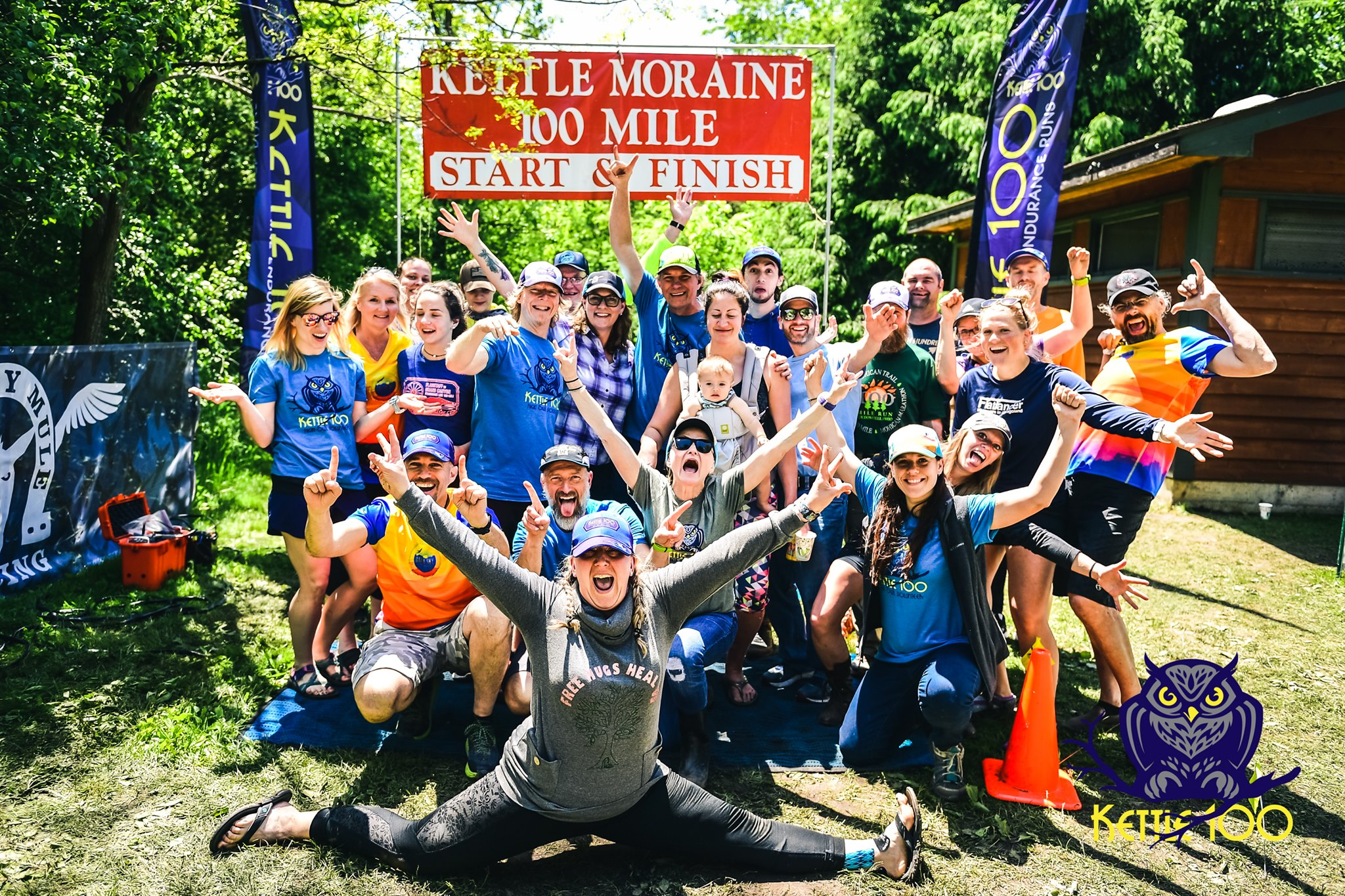 Volunteer finish line picture!