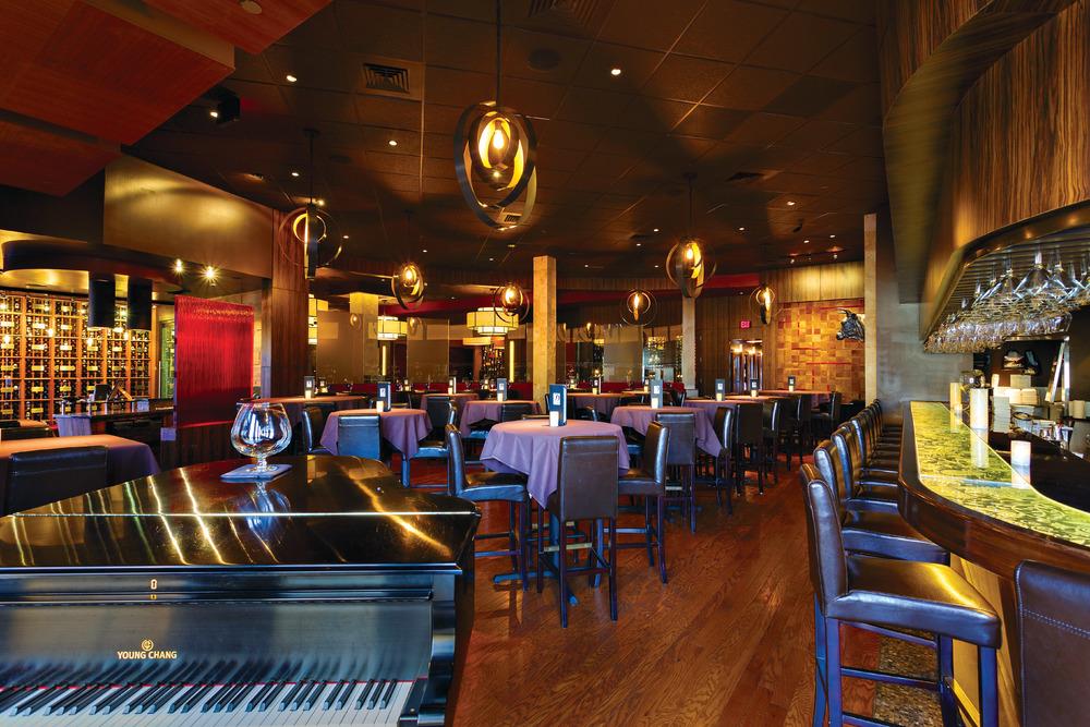 Perrys Steakhouse Katy TX - Bar.jpg
