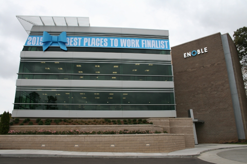Enoble-Business-Capital_Best-Place-To-Work-Building-Ribbon_Events_Finished-Product_Print-Design_Dreamcapture_Memphis-TN