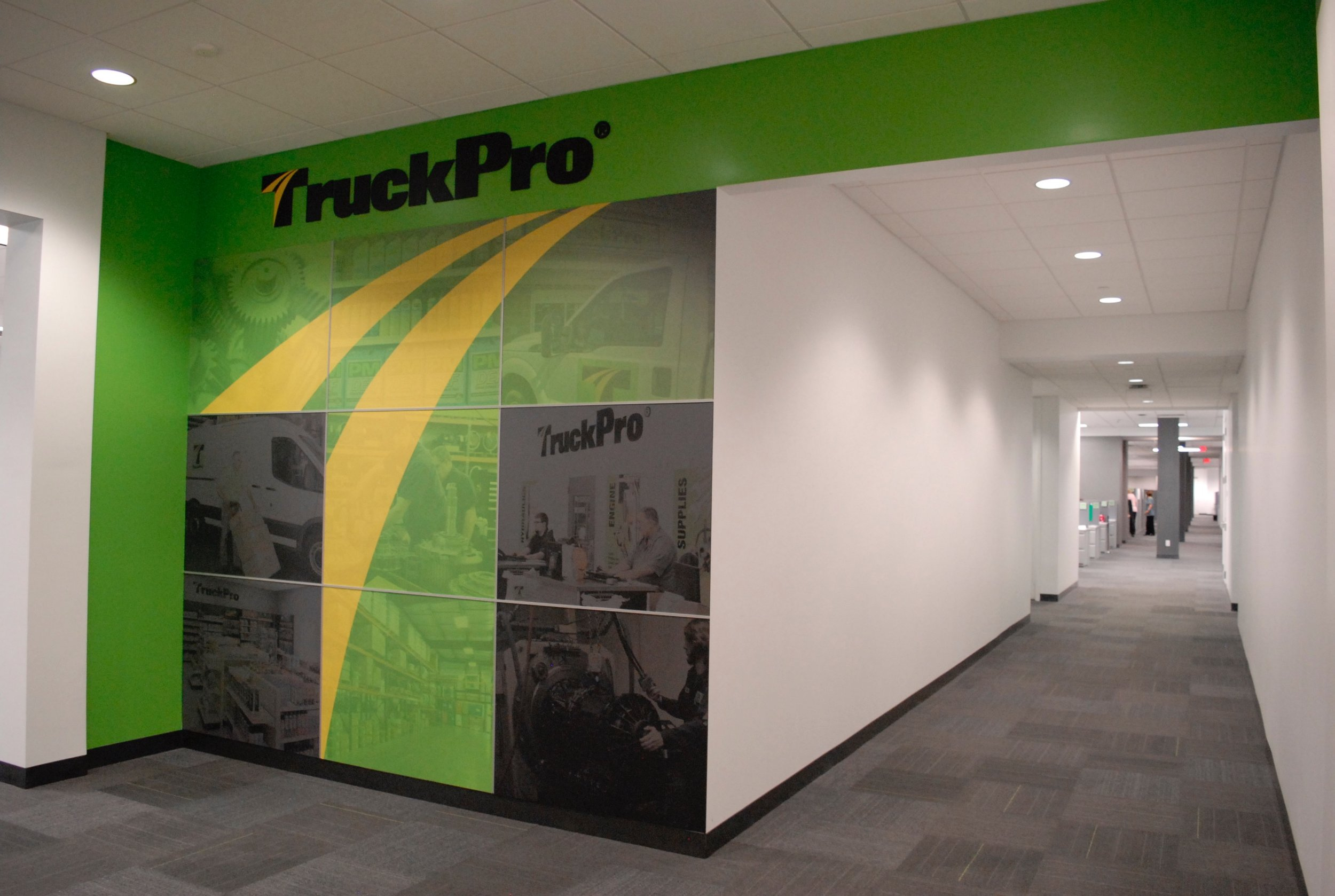 TruckPro_Employee-Entry-Wall_Environmental-Graphics_Finished-Product_Dreamcapture_Memphis-TN_2