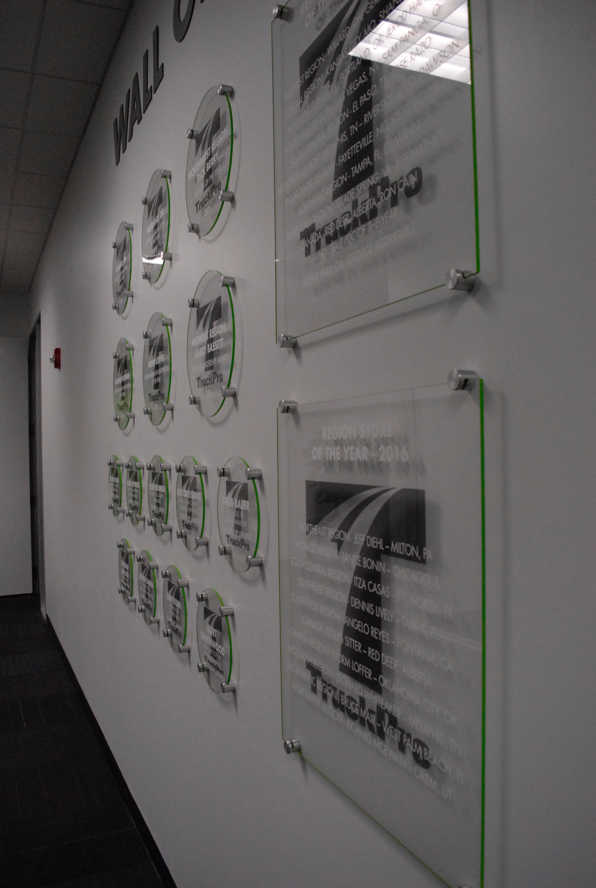 TruckPro_Wall-of-Fame_Mockup_Environmental-Graphics_Finished-Product_Dreamcapture_Memphis-TN