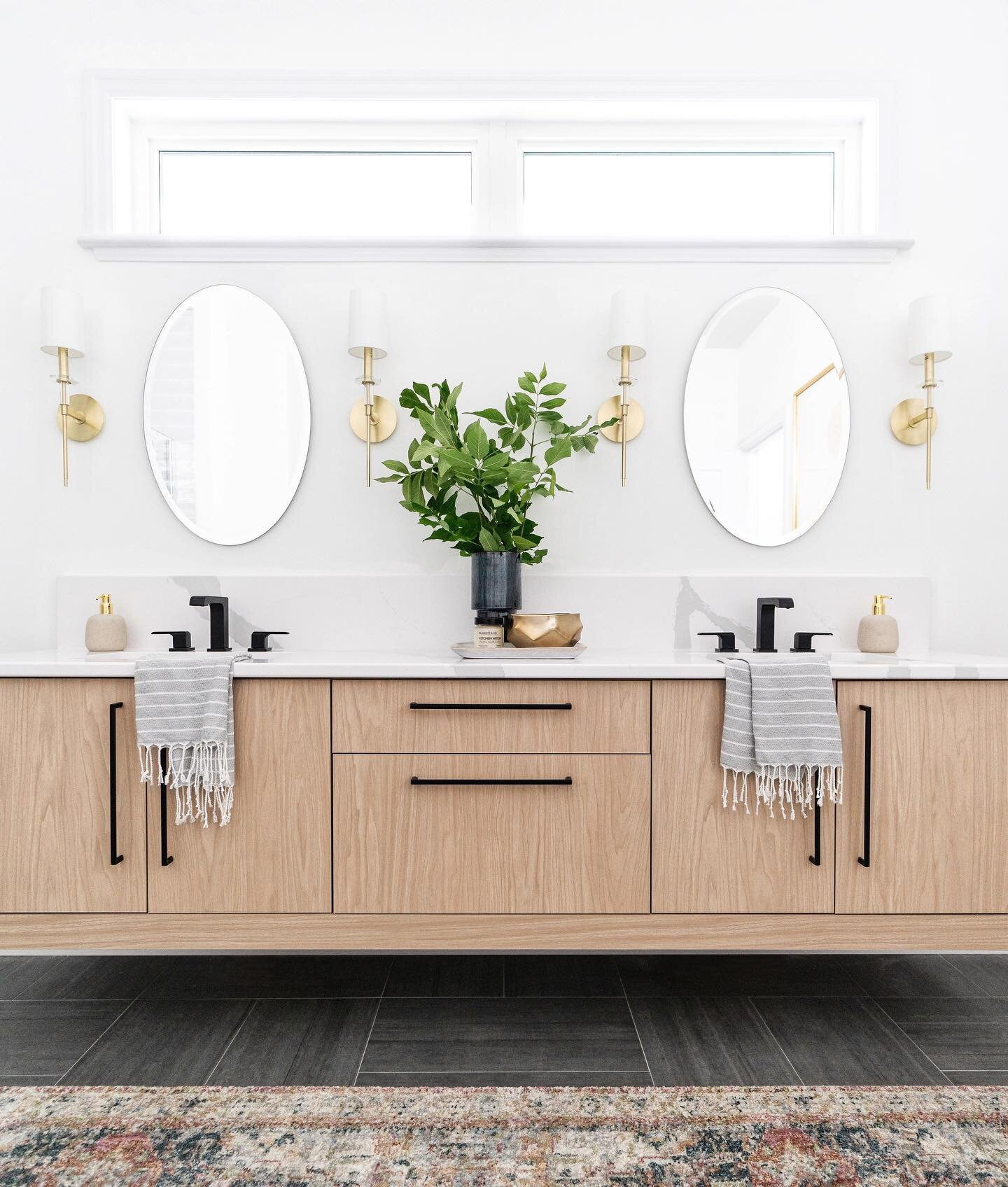 Front facing natural light in an ensuite? Yes, please.