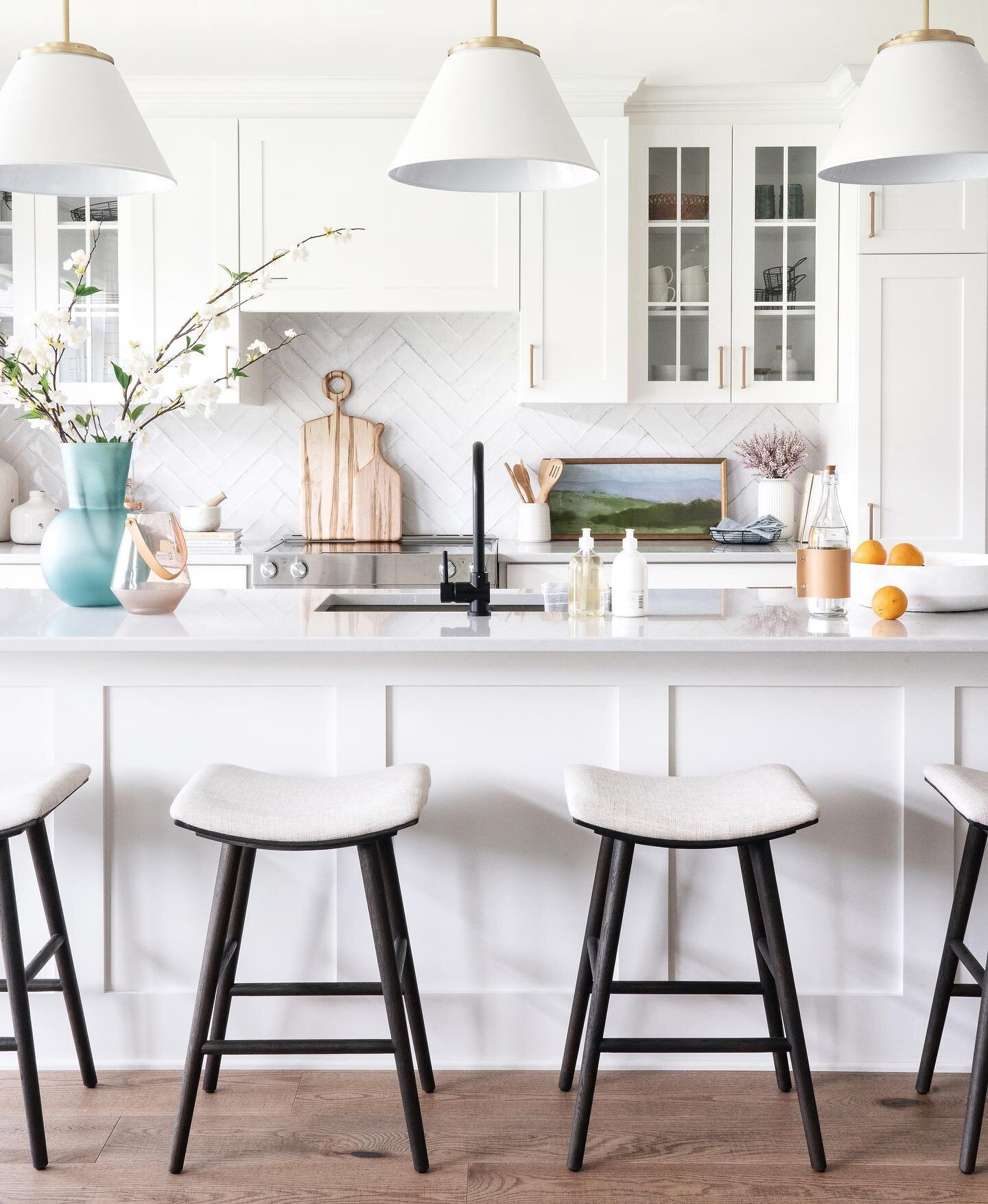 You cannot go wrong with a white shaker kitchen.