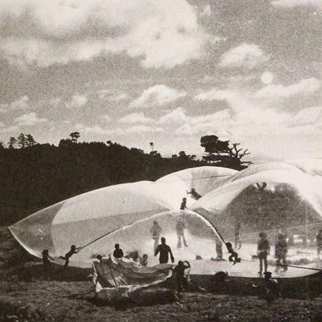 Inflatocookbook Magazine, 1971 Architects: Ant Farm