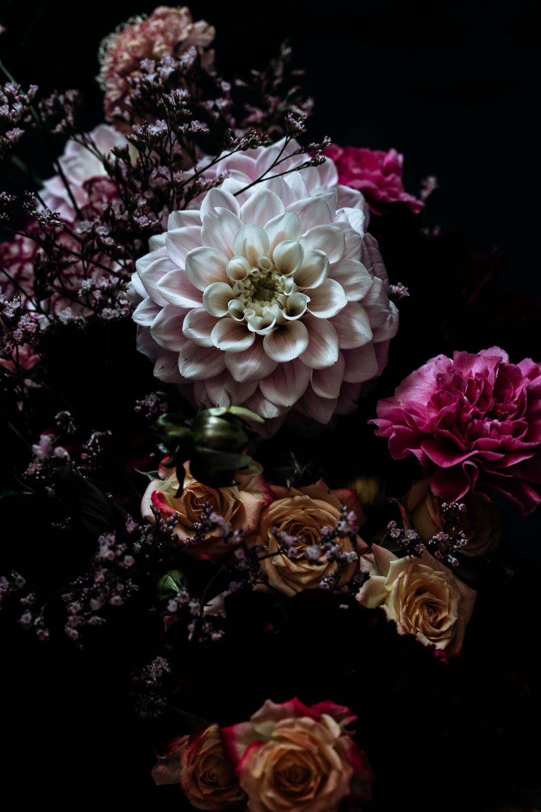 Dahlias - Aster & Bloom bouquet small (19 of 20).jpg