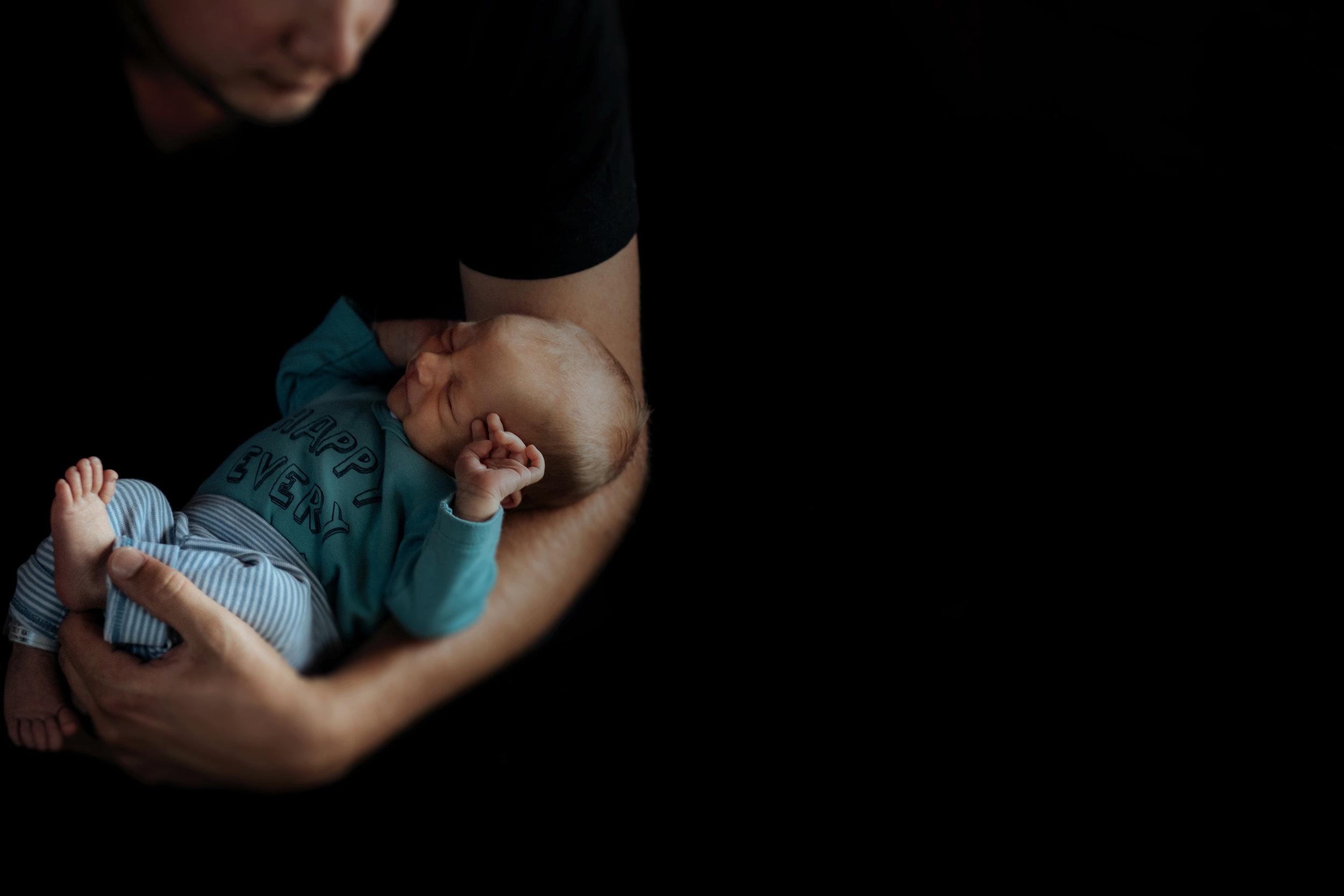 Emily and Brad newborn portrait 2019-02-02 (125 of 179).jpg