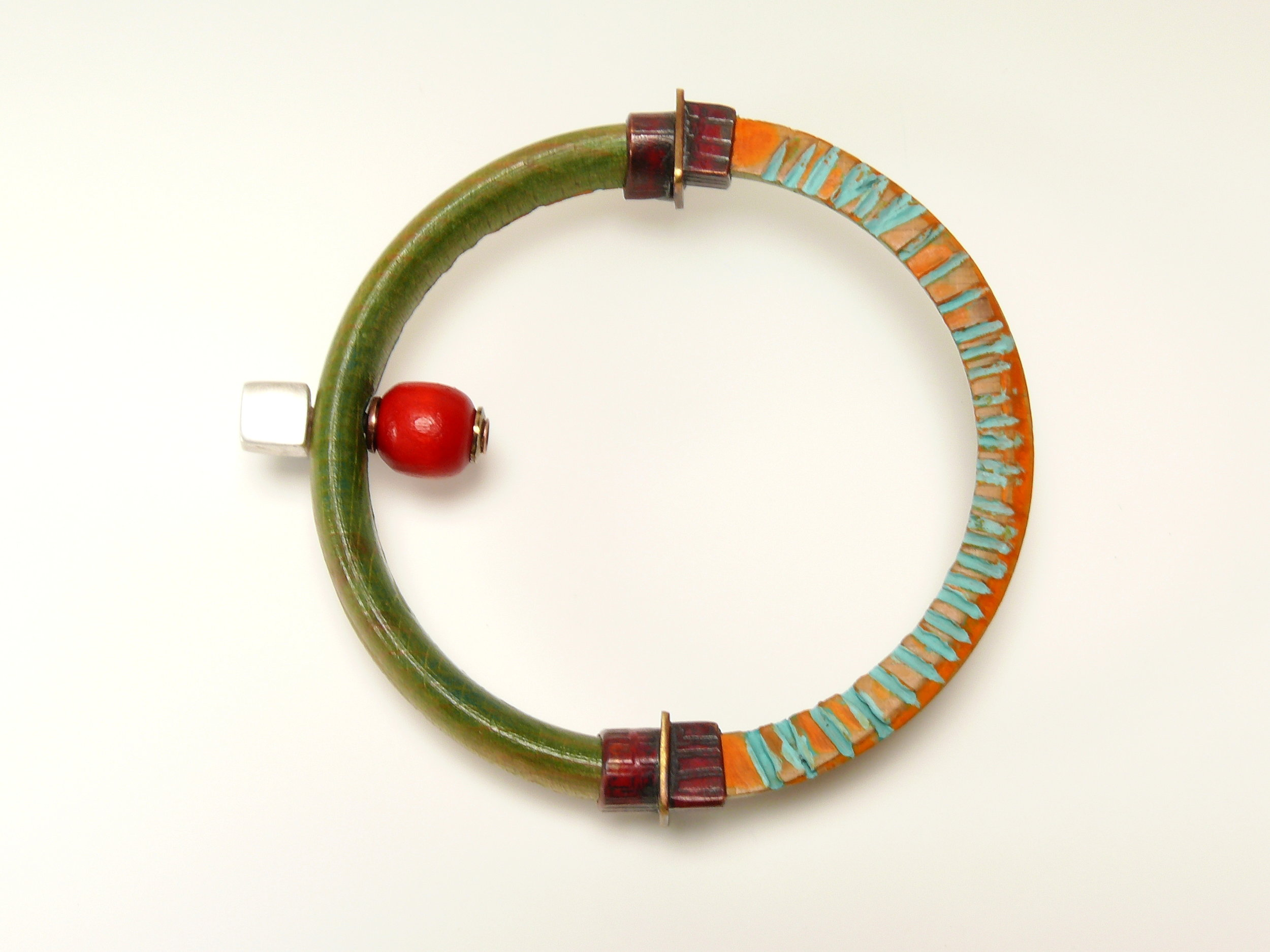 23_lozier_full.circle.with.red.bead copy.JPG