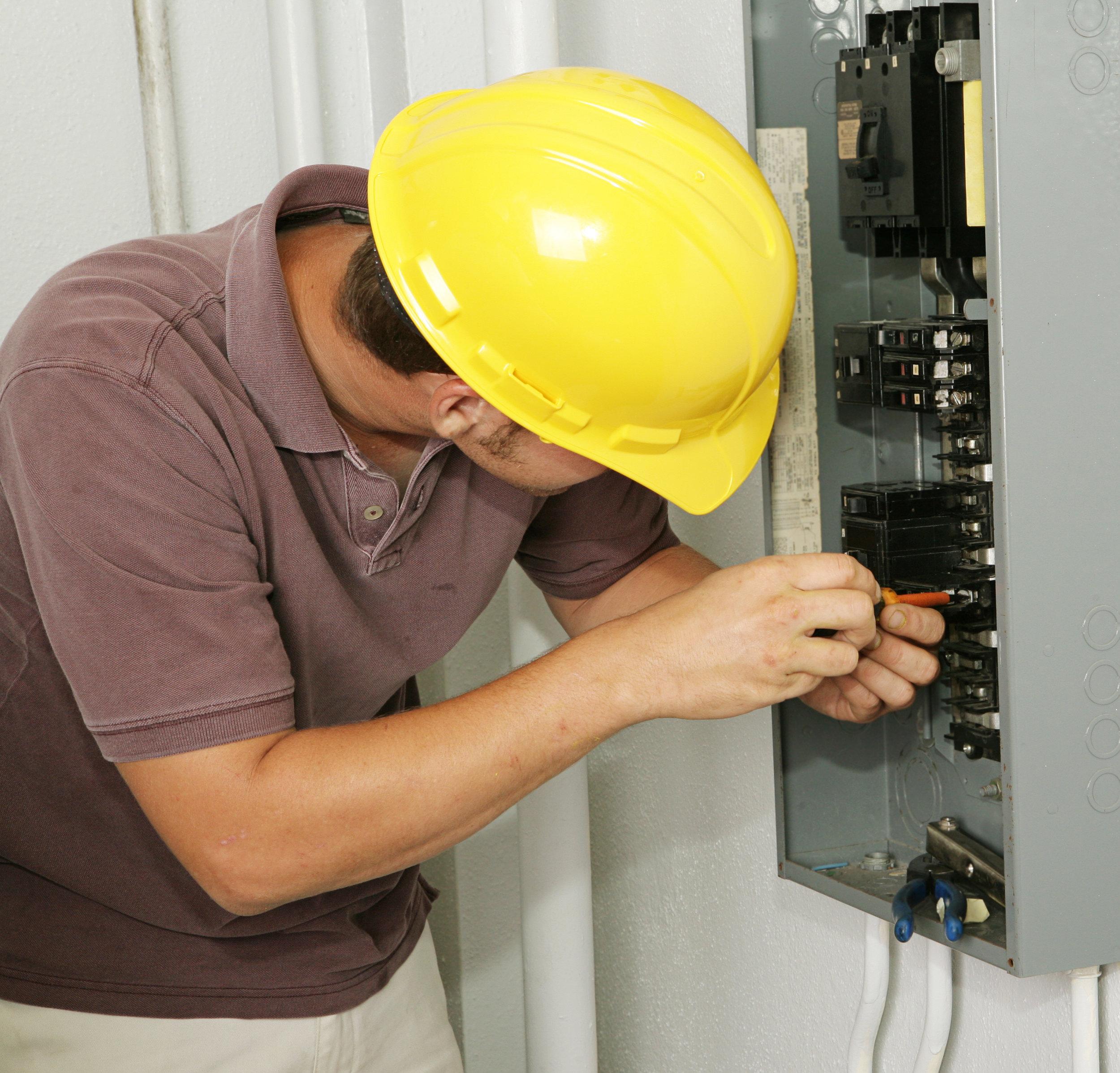 Electrical Main Panel 100 Amp Upgrade Sherwood Park Alberta | Electrical Main Panel 100 Amp Upgrade Fort Saskatchewan Alberta | Electrical Main Panel 100 Amp Upgrade St,.Albert Alberta