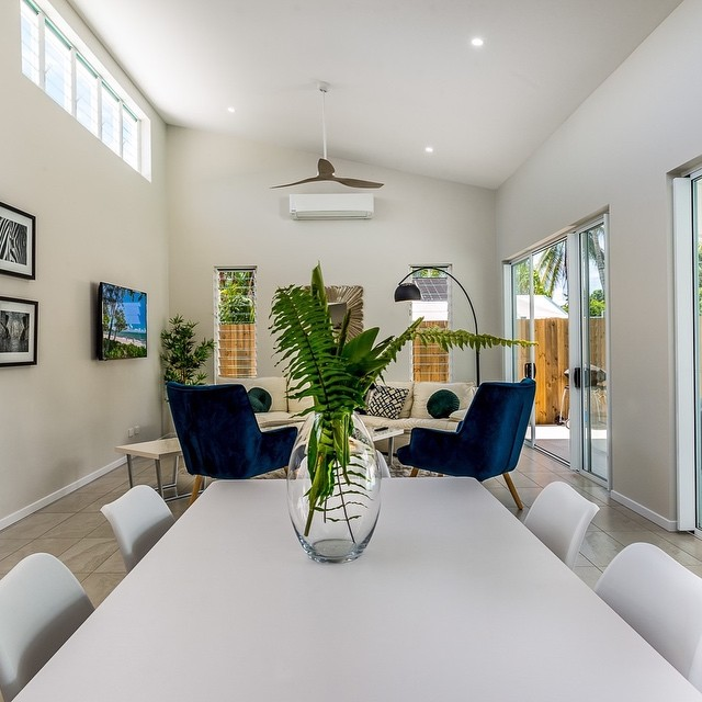 """Villa on Vievers"" light filled open and breezy. ⠀⠀ The owners have had the house styled beautifully by the talented @tracyhenderson.designs and is now listed and ready for bookings on air BnB check it out @holidaypalmcove ⠀⠀"