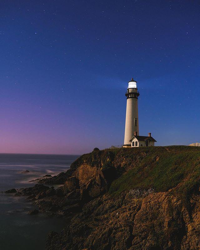 The fog covered the sunset but then the stars came out. . . . #lighthouse #nightphotography  #california #fujifilm  #wildbayarea  #visualambassadors  #artofvisuals  #ig_escaype  #ig_shotz  #longexposures  #longexposures_shots  #earthpix  #earthfocus #voyaged  #beautifuldestinations  #lensbible  #fatalframes  #creativeoptic  #roamtheplanet  #earth_shotz #igtones #depthsofearth #jaw_dropping_shots #shotzdelight #bigworld_shotz  #eclectic_shotz #earthfocus  #bay_shooter