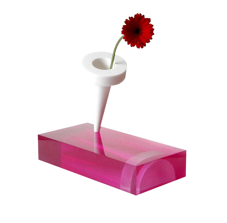 vase nailbox 04p.jpg