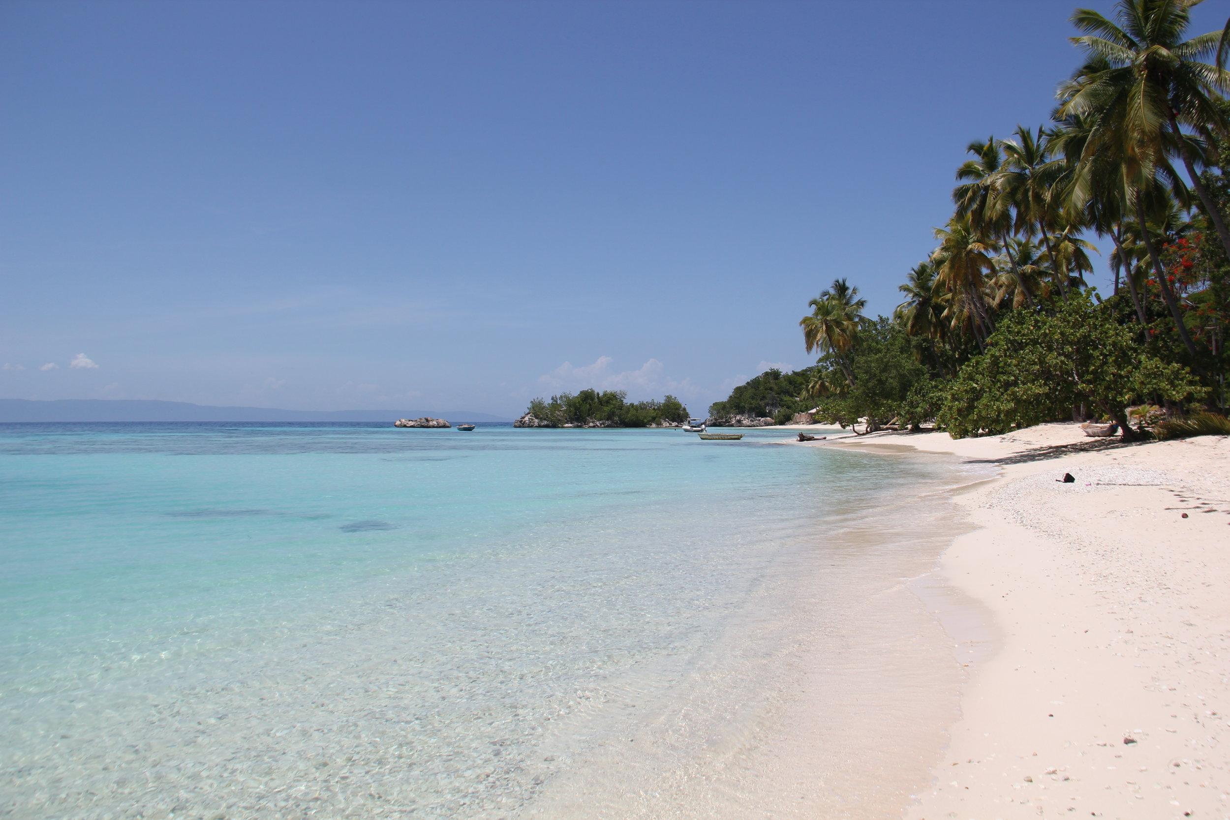 Postcard-worthy beach in Haiti.JPG