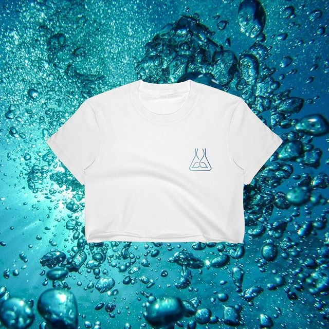 @girlzinoceanscience first #GIVEAWAY !! To celebrate hitting 10K followers and to give you a sneak peek of our first GOS merch (launching this month!) - we will be giving away one GOS T-shirt! Winner will be announced 14th March 🧜🏽♀️💦🌏 . . HOW TO ENTER: 1. Make sure you like this post and are following @girlzinoceanscience  2. Tag 3 friends/mermaids in the comments 3. Share this post in your Instagram story for extra entries 4. You can enter as many times as you'd like! . . So happy to see this beautiful community of intelligent and inspiring women grow 🌱 Ocean love as always, the #GirlsinOceanScience team 💙