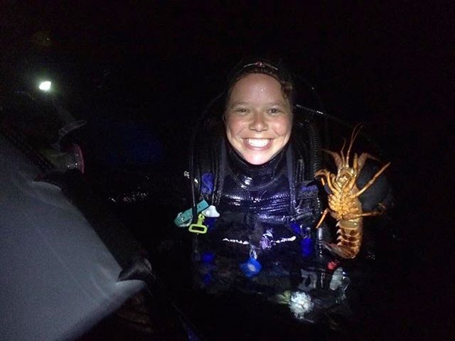 """GOSer Taylor Eddy (@teddyunderwater) is a student at California State University, Monterey Bay, currently working on her master's thesis 👩🎓⠀ •⠀ Taylor is studying how spiny lobsters on Catalina Island, California, interact with the environment around them, and what resources (ie. prey items) are important for the reproductive success of the species. During the summer, the lobsters move up into the intertidal to find more energy-rich food than they can find in the kelp forest where they live in the winter.⠀ •⠀ To find out where the food is available, she creates """"photo transects"""" of the intertidal by taking pictures along the shoreline. Then, she uses GIS (geographic information system) software 🌐 to map out what species are there using digital classifications and estimate the prey available for the lobsters. ⠀ •⠀ At night, while the lobsters are active, she goes out to collect them in the intertidal and records data about the lobsters. She also takes a muscle sample from each lobster to use for diet analysis, and releases them back where they were caught. Currently, her lab is working on incorporating drones to map larger sections of the intertidal even faster!⠀ •⠀ Any other girls in crustacean science out there? Let us know in the comments 💙⠀ •⠀ Photo by @teddyunderwater 