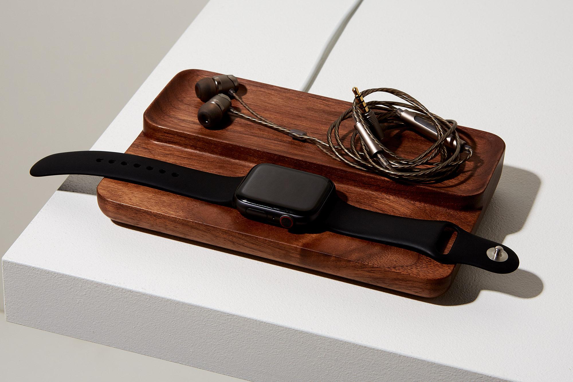 Valet Model 2 headphones.jpg
