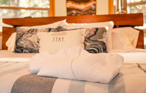 bed close up.jpeg