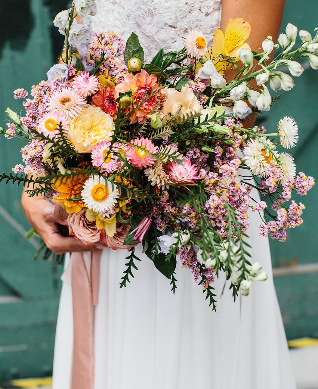 koebenhavns-plantefarveri-for-pretty-day-flowers-wedding-boquet-silk-ribbons-camilla-kirk-.jpg