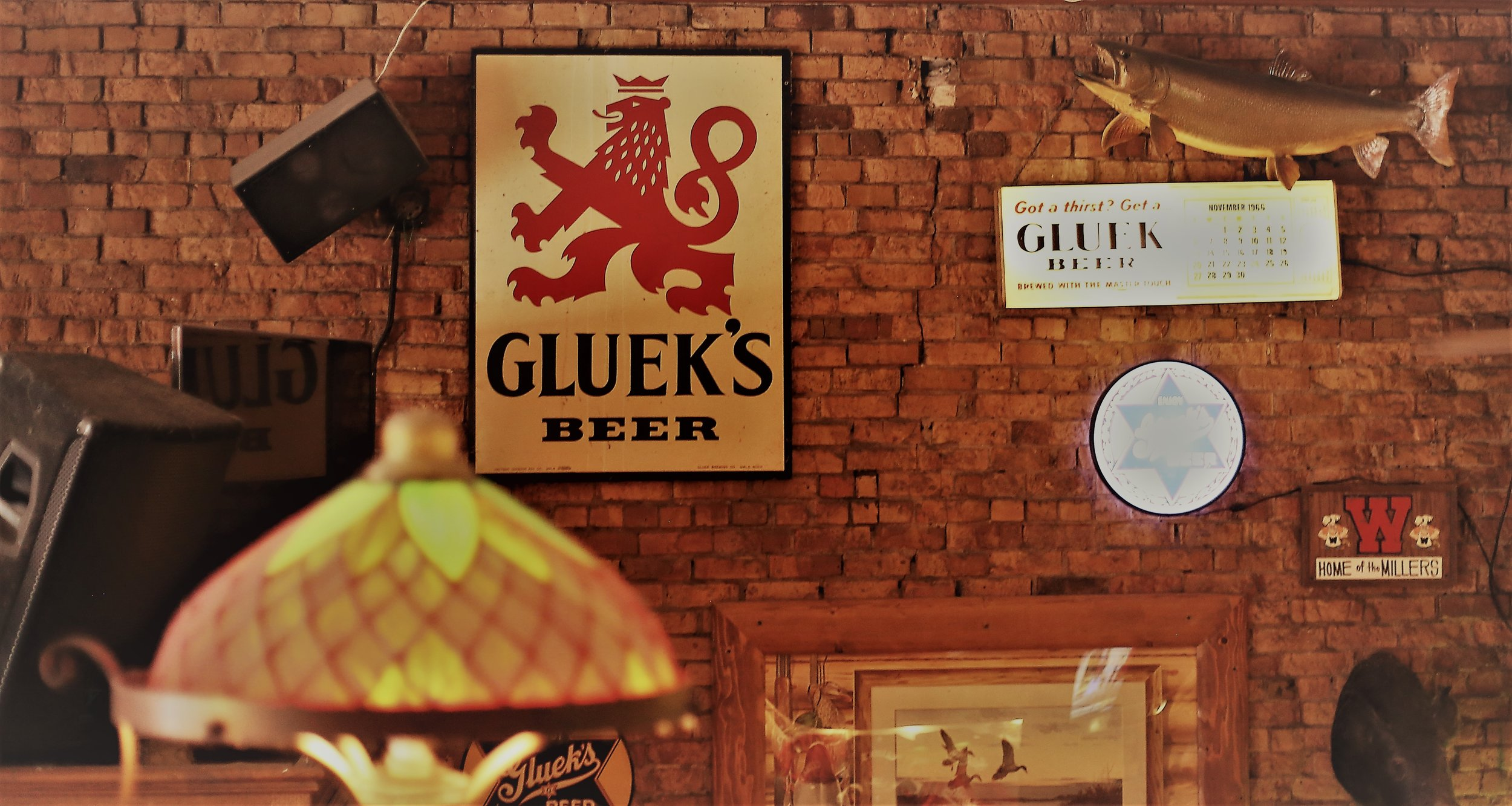 Gluek's Bar & Restaurant - Built in 1902, Gluek's is the oldest running bar in downtown. Learn the story of the building and the brewery through beautiful stained glass, original photos dating back to the early 1900s and Gluek collectibles from beer cans to vintage signs. They offer an extensive menu, live music and more!