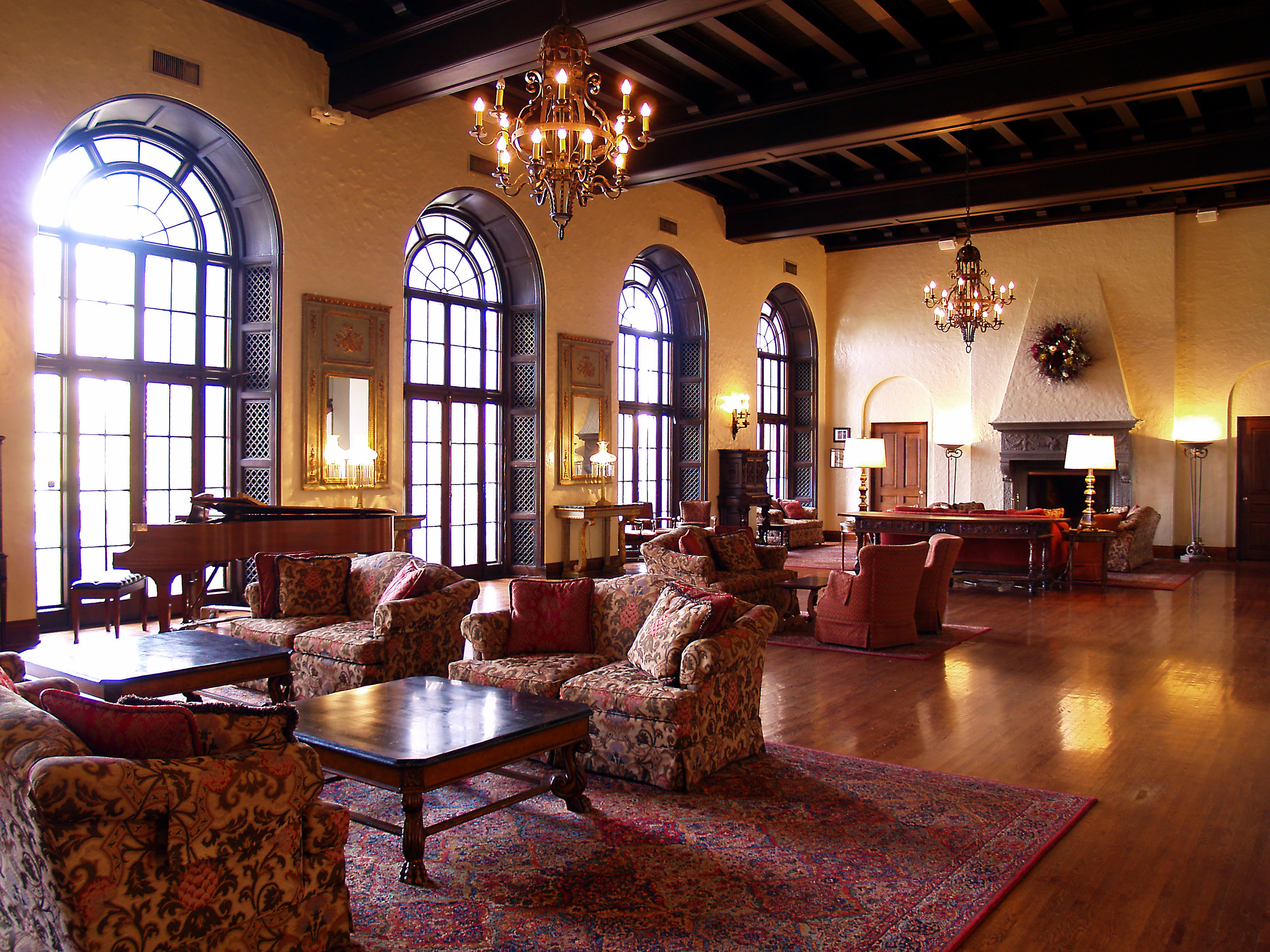 The Woman's Club of Minneapolis - Take a thrilling, unique tour of The Woman's Club that blends architecture, history and community. The Clubhouse is a Minneapolis historic treasure that features a rooftop terrace, an elegant lounge and much more. Delve into The Club's rich history of community outreach, female empowerment and unity.