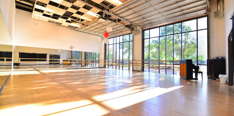 Lundstrum Performing Arts - See where Broadway meets West Broadway! Lundstrum Performing Arts is committed to inspiring young artists through musical theater: dance, voice and drama. Through displays and informal tours, learn more about the history and programs of this performing arts conservatory and its impact on arts education in North Minneapolis and the city.